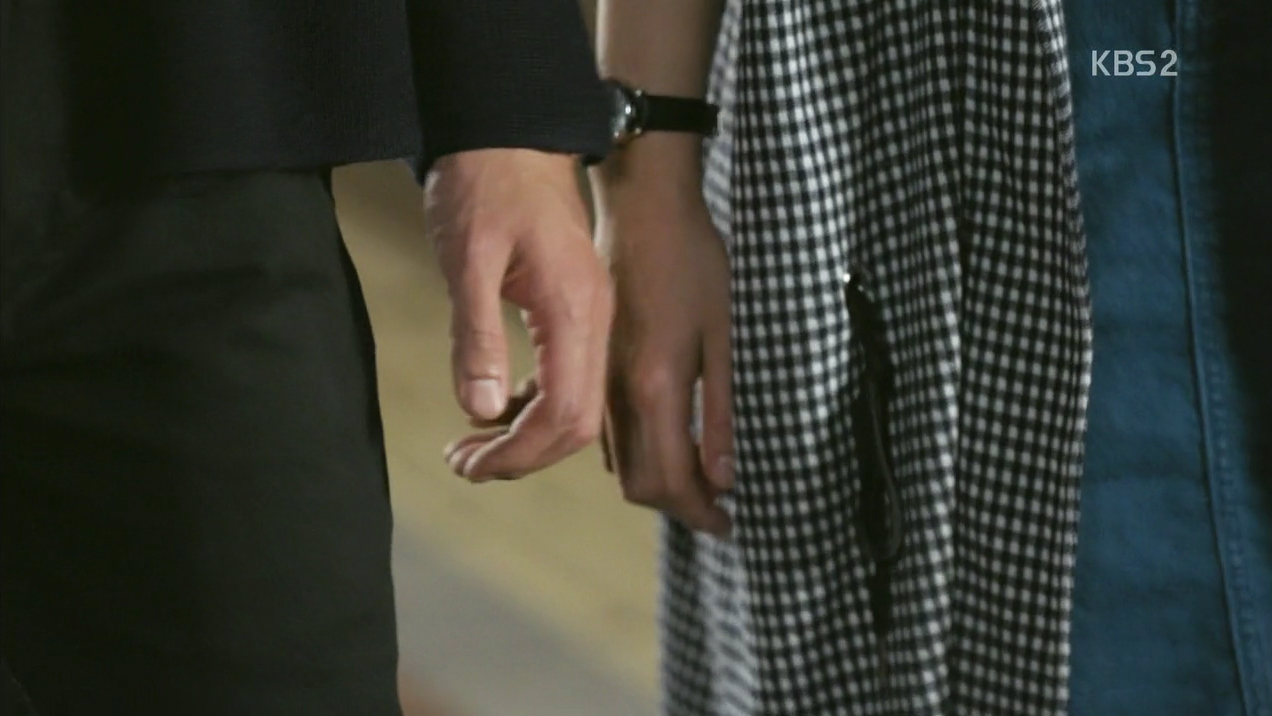 hand-holding-kdrama-discovery-of-romance-episode-13
