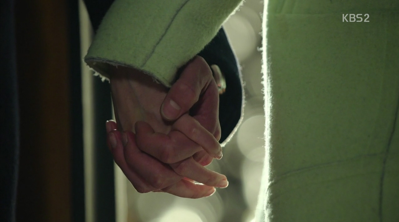 holding-hands-healer-episode-11